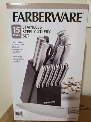 New Farberware 15-Pc. Cutlery Set for Sale in Philadelphia, PA
