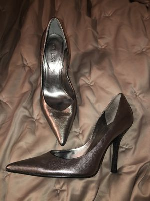 Guess Rich Silver/Light Pewter heel Size 8.5 for Sale in Beaverton, OR