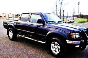 ֆ14OO 4WD Toyota Tacoma 4WD for Sale in Sharon, CT
