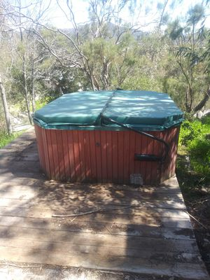 Jacuzzi hot tub with cover YOU MUST HAUL for Sale in Hemet, CA