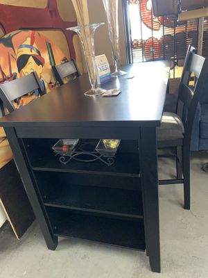 Counter top table set for Sale in Las Vegas, NV