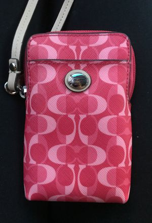 Coach wristlet for Sale in Boiling Springs, SC