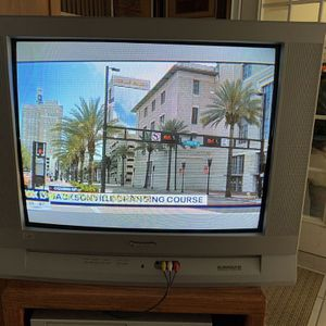FREE TV Panasonic with surroundsound for Sale in Brooksville, FL
