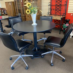 Dining table with 4 chairs for Sale in Chico, CA