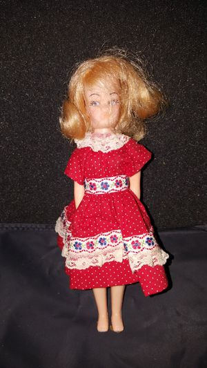 ANTIQUE DOLL for Sale in Piedmont, SC