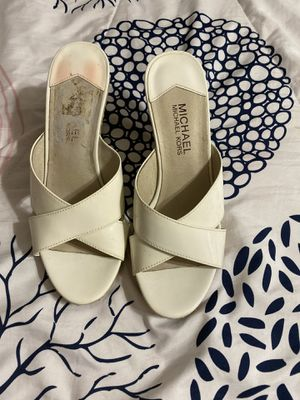 Michael Kors Sandals size 7 1/2 for Sale in Houston, TX
