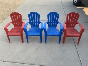 (4) Plastic Outdoor Kids Lawn Chairs for Sale in Sun City, AZ