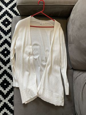 Gap cream cardigan size large for Sale in Chicago, IL