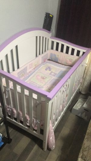 Baby crib with mattress & bedding set for Sale in Dallas, TX
