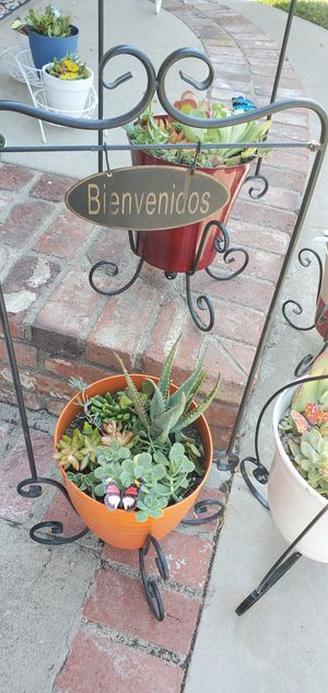 2pc Beautiful welcome/bienvenidos plant stand with planter packed with succullents for Sale in Anaheim, CA