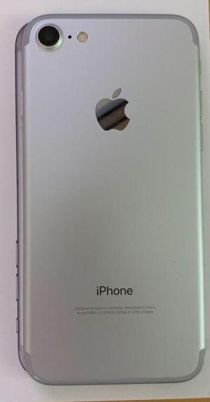 iPhone 7 256GB Silver Cricket for Sale in Oak Park, IL