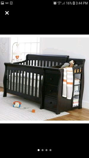 3 in 1 crib and changing table for Sale in West Haven, CT