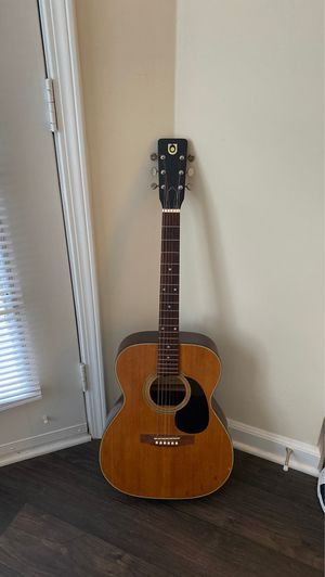 Vintage UNIVOX 1970s Acoustic Guitar for Sale in Raleigh, NC