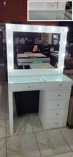 vanity set for Sale in Diamond Bar,  CA