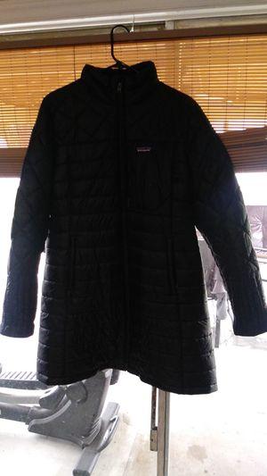 Patagona jacket. Chamarra para el frio for Sale in Dallas, TX