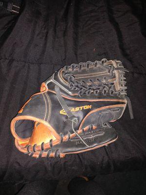 Easton Baseball glove for Sale in Kirkland, WA