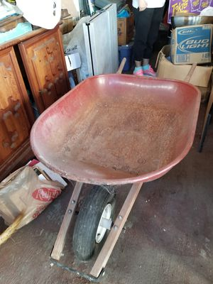 Carretilla (WHEEL BARREL) for Sale in Compton, CA