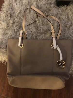 Mike Kors purse new for Sale in Hawthorne, CA
