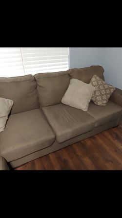 L Couch for Sale in Nashville,  TN