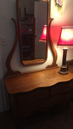 Antique dresser for Sale in Reynoldsburg, OH