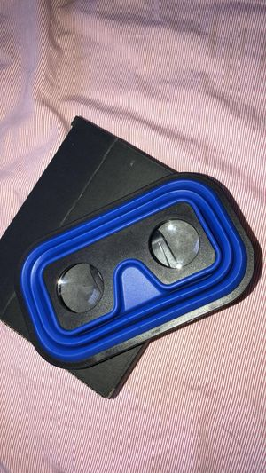 Phone virtual reality game player for Sale in Apex, NC