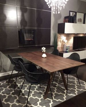 Table set in great condition for Sale in Pacifica, CA