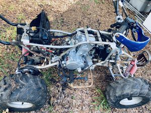 250 whit reverse brand new motor and fender raptor for Sale in Lake Wales, FL