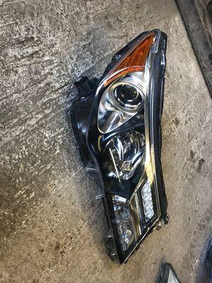 2013 to 2015 Toyota RAV4 headlight passenger side OEM for Sale in Dallas, TX