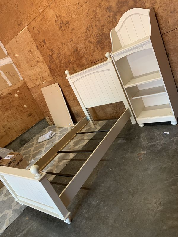 Girls Bedroom Set Twin For Sale In Tacoma, WA