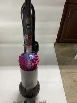 Dyson Ball Complete Upright Vacuum, Used, Works Great for Sale in Coopersburg,  PA