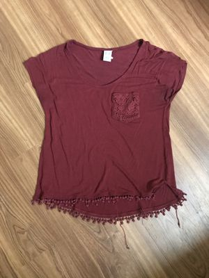 Maroon slightly cropped tee small for Sale in Oxford, OH