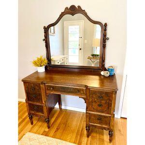 Antique vanity & desk for Sale in Lakewood, CA