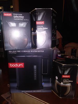 Electric cordless water kettle n 2 8 cup coffee maker n a 4 cup coffee maker for Sale in Cleveland, OH