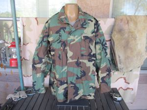 Military, Army Woodland BDU Camouflage M-65 Field Jacket, Unissued, LARGE REGULAR for Sale in Glendale, AZ