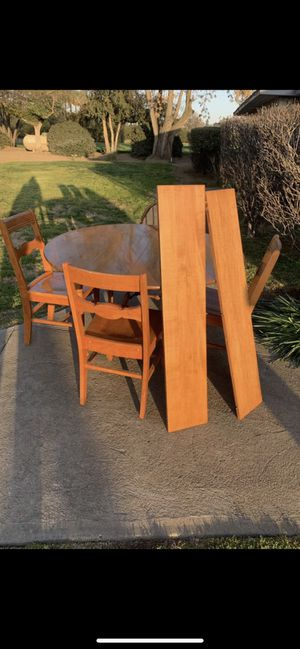 Solid wood 1960's round dining table dinette set for Sale in Fresno, CA