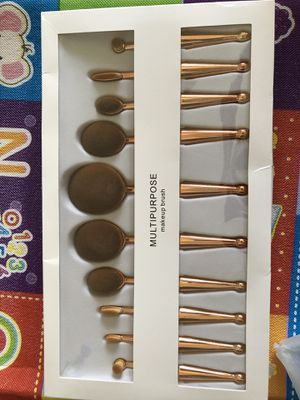 Makeup brush for Sale in Tampa, FL