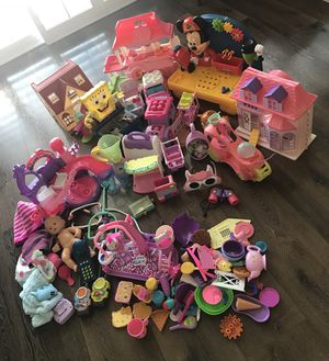 Mix lots of toys for girl for Sale in Las Vegas, NV