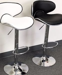"""(NEW) $45 each Barstool Modern Chair Swivel Bar Stool PU Leather (Adjustable Seat Height 23-31"""") for Sale in Whittier,  CA"""