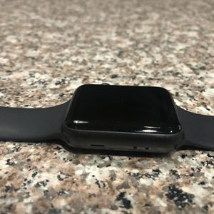 Apple Watch series 3 42mm like new for Sale in Ontario, CA