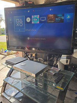 """Dynex 42"""" hd TV. No issues. With entertainment center. $100obo for Sale in Bartow, FL"""