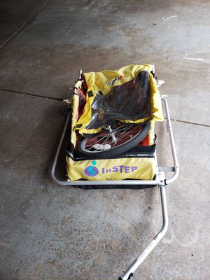 Used bike trailer with 2 seats for Sale in Bolingbrook, IL