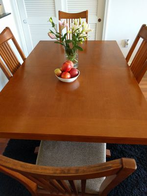 Dining Set (Table, Chairs and china cabinet) for Sale in San Francisco, CA