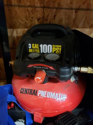 Central Pneumatic 3 Gal Air Compressor. for Sale in Everett, WA