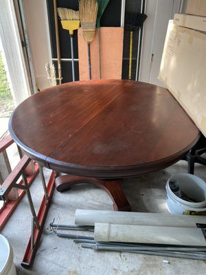Antique pedestal solid wood table for Sale in Round Rock, TX