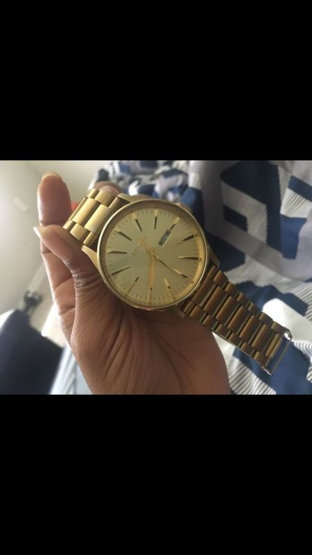 Nixon gold watch✨