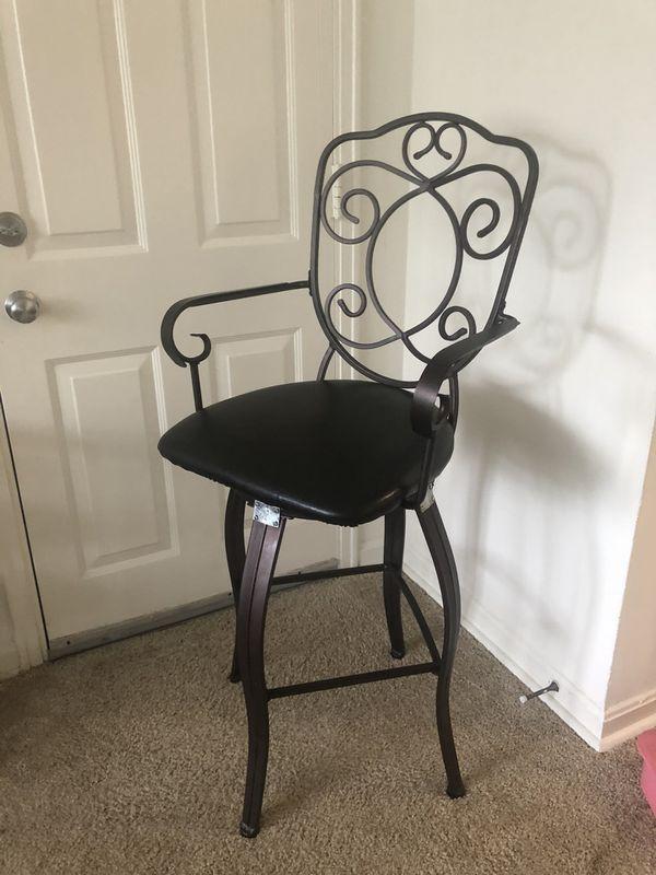 3 metal swivel bar stools
