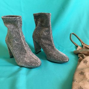 Michael Kors Mandy stretch ankle sock boot in glitter silver sz 7.5 for Sale in Los Angeles, CA