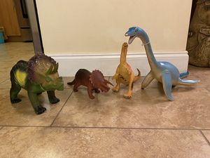 4 dinosaurs toys for Sale in Miami, FL