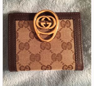 Gucci Wallet for Sale in Grove City, OH
