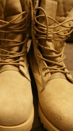 Camo Army Boots Size 9 for Sale in Leavenworth,  WA